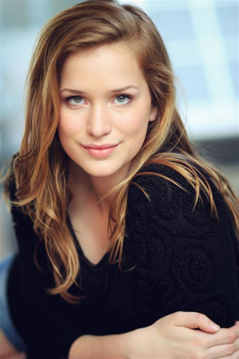 pictures  elizabeth lail pictures  celebrities