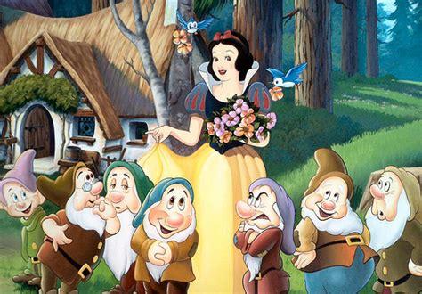 snow white    dwarfs snow white