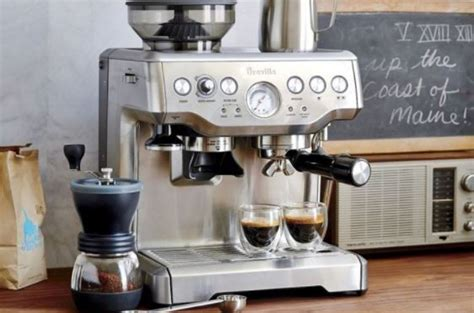 This coffee grinder for espresso includes the ventilation so the coldness of the coffee is guaranteed. Best Home Espresso Machine & Grinder - Tanzillo Espresso Service