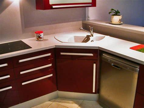 cuisine en angle implantation évier en angle plaque cuisson en angle