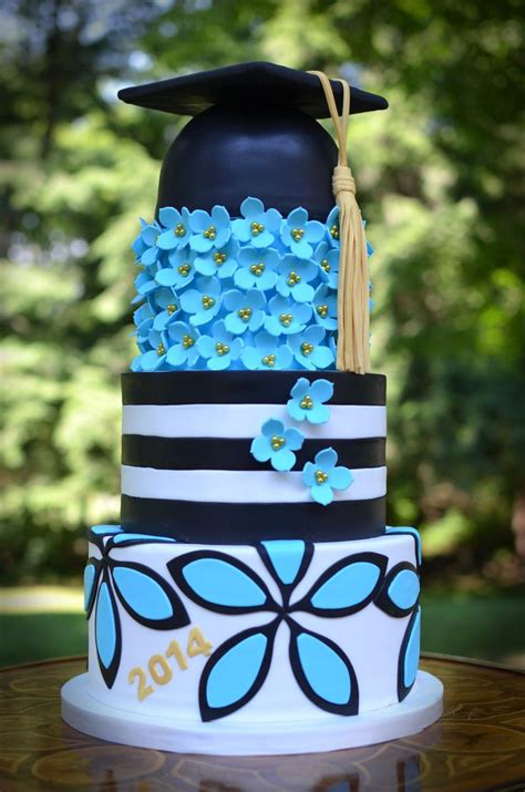 graduation cakes images  pinterest graduation