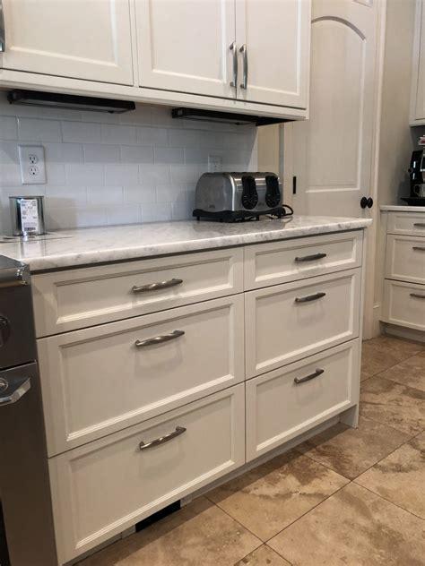 panda white kitchen  cabinet girls