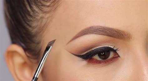 Как подводить глаза карандашом поэтапно