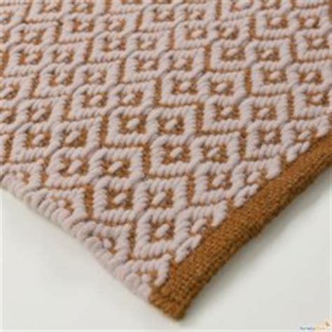 pulire tappeto con bicarbonato come pulire il tappeto arredaclick