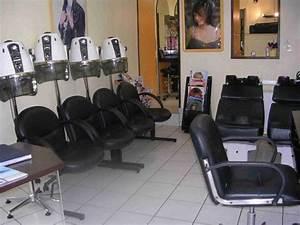 Mobilier Salon De Coiffure : mobilier de salon de coiffure complet ~ Teatrodelosmanantiales.com Idées de Décoration