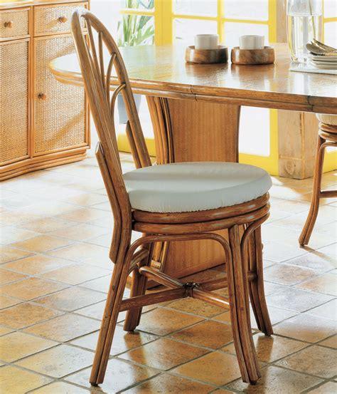 chaise en rotin but chaise rotin avec dossier arrondi brin d 39 ouest