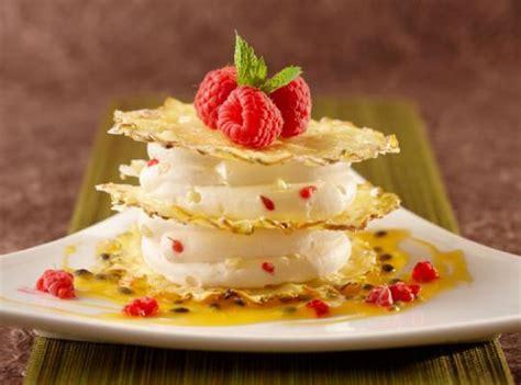 recette nestle dessert chocolat blanc feuillantine mousse chocolat blanc ananas recettes nestl 233 professional