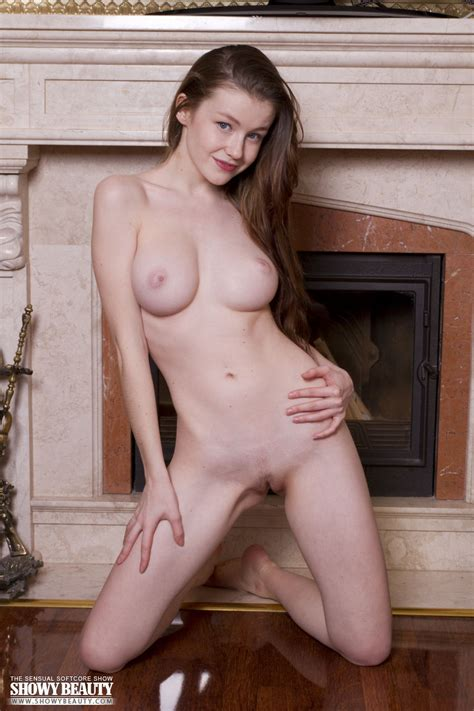 Emily Allurement From Showy Beauty At Nudemodel Pics