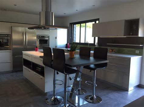 table de cuisine cuisinella cuisine équipée avec ilot central galerie avec decoration