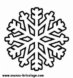 Flocon De Neige En Papier Facile Maternelle : coloriages flocons de neige a coloriage flocon de neige maternelle ~ Melissatoandfro.com Idées de Décoration
