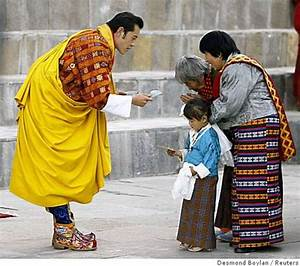 New king crowned in democracy of Bhutan - SFGate