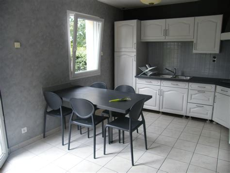 tapisserie de cuisine moderne rénover une cuisine comment repeindre une cuisine en