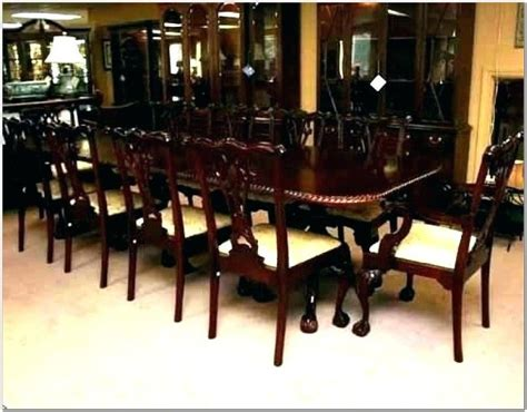 29 to 30 inchesspace per person is 24 to 30 inches andat least 30 inches what size dining room table will seat 10 people? 10 Seater Dining Table Dimensions | Cumulus