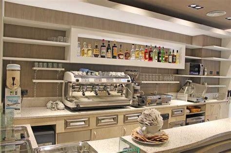 Progettazione E Realizzazione Arredamento Per Bar