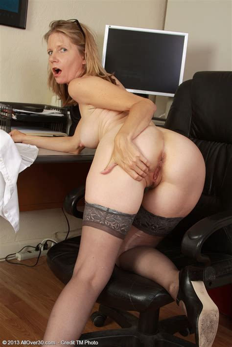 Sexy Milf Secretary Lexa Mayfair Tease And Undress Moms Archive