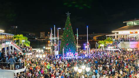 christmas trees jacksonville fl jacksonville landing lights christmas tree 9186