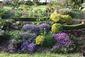Gräser Für Garten : gestaltungsideen f r einen hanggarten mein sch ner garten ~ Lizthompson.info Haus und Dekorationen