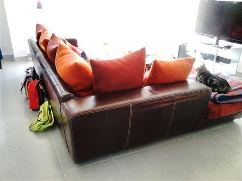 comment nettoyer un canapé en nubuck nettoyage nubuck canape maison design wiblia com