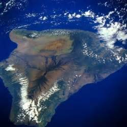 Big Island of Hawaii as seen from space in a NASA photo ...