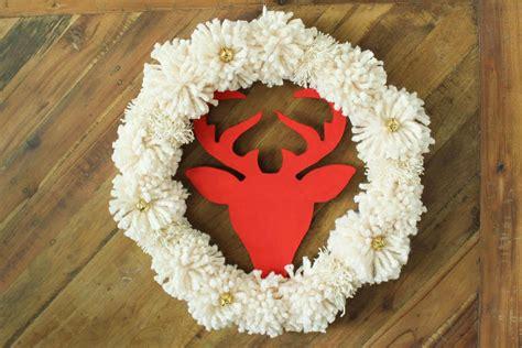 super easy diy christmas wreath tutorial  pom poms