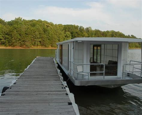Small Houseboats For Sale In Arkansas by 25 Best Ideas About Small Houseboats For Sale On