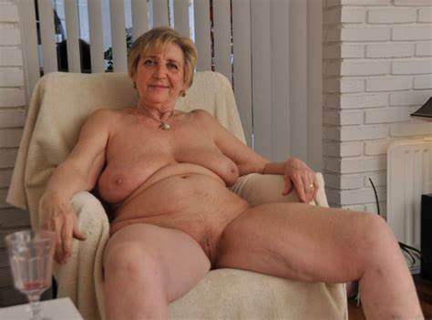 European Granny Willing Bbw Boys Topless Flabby Old And Stunning