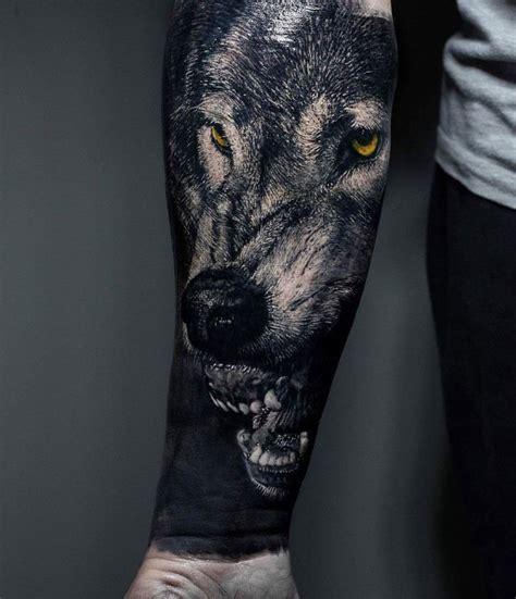 tatouage homme bras  tatouage avant bras en  idees