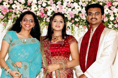old malayalam actress karthika family movie actor actress cute stills actress karthika