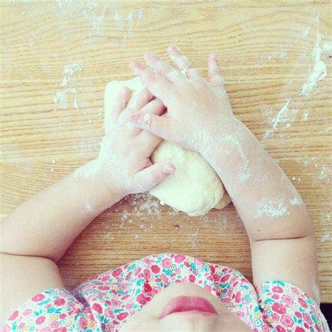 conseils pour cuisiner conseils pour cuisiner avec ses enfants tout en s 39 amusant