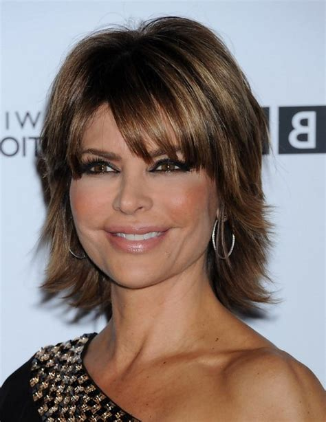 lisa rinna layered short straight cut with bangs for thick