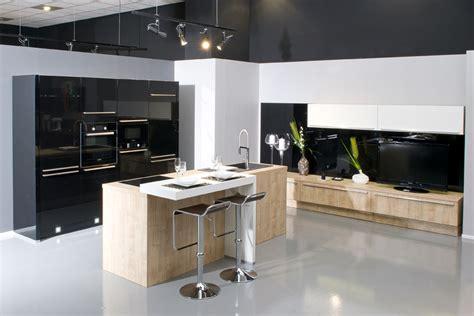 meuble cuisine cuisinella aviva fait aussi de l aménagement salon et des meubles tv