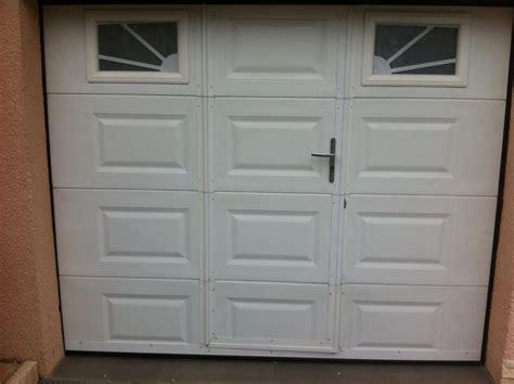 portes de garage installateur en menuiseries et motorisations