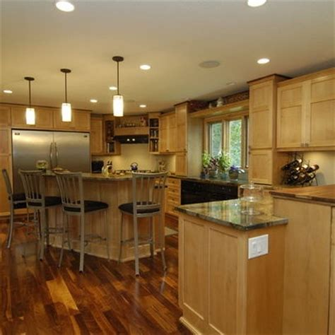 kitchens with light maple cabinets maple cabinets and hickory floors search 8794