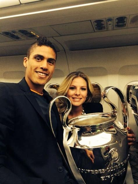 Raphael varane and his wife camille tytgat and children. Raphaël Varane, Camille Tytgat, Karim Benzema et Zinedine ...