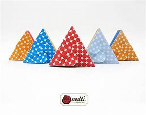 Triangle gift box template polkadot printable on behance for Triangle packaging template