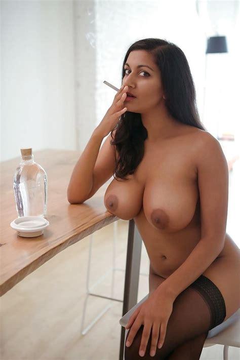 Horny Nude Wife Smoking Naughtybrazzers