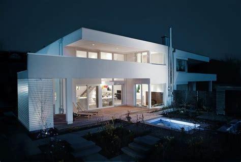 Moderne Häuser Stadtvilla by Moderne Stadtvilla