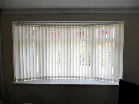 Vertical Window Blinds by Best Blinds For Bay Windows Expression Blinds
