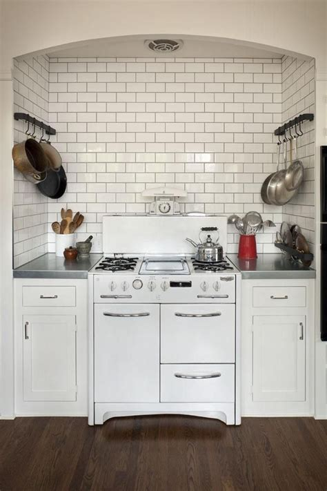 pictures of floor tiles for kitchens 274 best miniature kitchens images on 9101