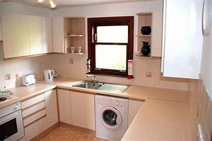 do london flats ever have the washing machine in the main With kitchen design with washing machine