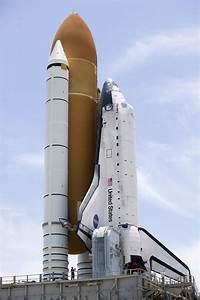 Mike Rein in Space Shuttle Discovery Moves To Launch Pad ...