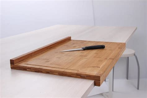 cuisine en bocaux planche de travail en bambou grand modèle avec rebord