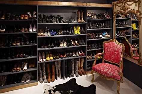 16 Drool-worthy Shoe Closets