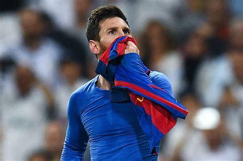 Aug 05, 2021 · lionel messi of fc barcelona during a match in barcelona on may 16. OFFICIAL: Lionel Messi extends Barcelona deal until 2021