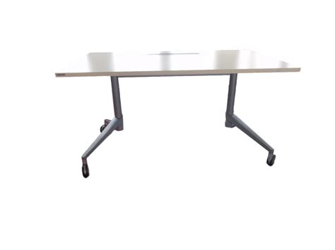 table pliante d occasion table de r 233 union pliante wiesner hager d occasion adopte un bureau