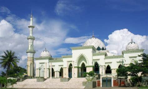gambar masjid raya makassar lokasi alamat arsitektur