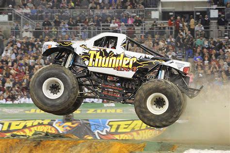 all monster trucks in monster thunder 4x4