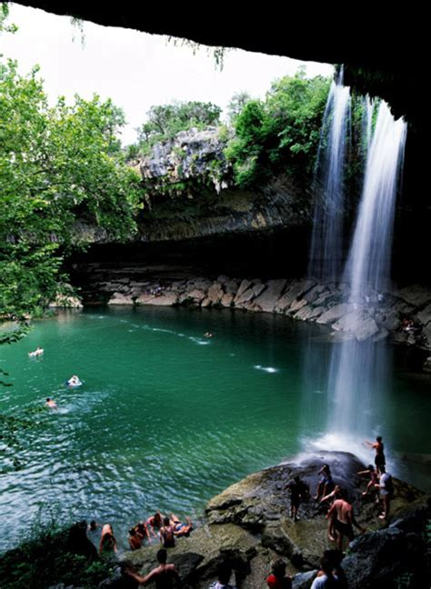 Hamilton Pool In Austin It's A Beautiful Natural Swimming
