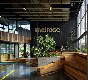 Melrose, Health, Bent, Architecture