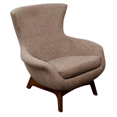 scandinavian lounge chair